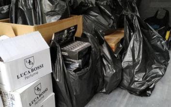 Χιλιάδες μαϊμού κολόνιες βρέθηκαν σε αποθήκη στη Θεσσαλονίκη