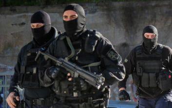 MR-35 Manuhrin: Τι είναι το «όπλο γροθιά» που χρησιμοποιήθηκε στο Κουκάκι