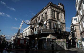 Εικόνες από την φωτιά σε κτίριο της Ερμού