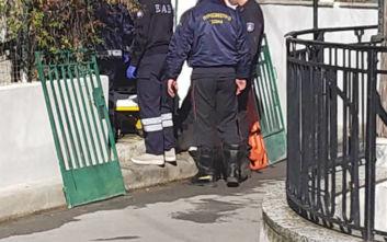 Γυναίκα σφήνωσε σε φρεάτιο στη Λάρισα