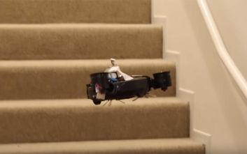 Η ρομποτική σκούπα που… πετάει