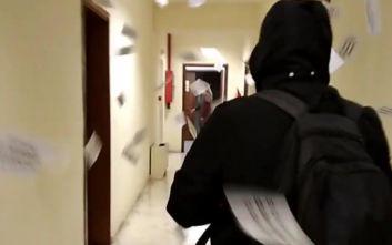 Θεσσαλονίκη: Βίντεο από την παρέμβαση αντιεξουσιαστών στα γραφεία του ΟΑΣΘ