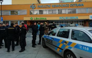 Πυροβολισμοί σε νοσοκομείο στην Τσεχία: Έναν άνδρα αναζητούν οι Αρχές