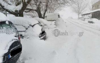 Κακοκαιρία Ζηνοβία: Αυτοκίνητα θαμμένα στο χιόνι στην Κρήτη