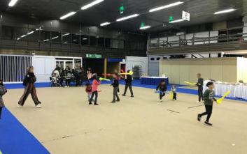 Θεσσαλονίκη: Προσφυγόπουλα έπαιξαν και ζωγράφισαν στην εορταστική εκδήλωση του React