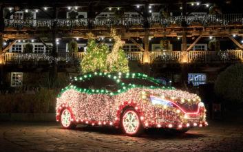 Για τα Χριστούγεννα στολίστε ένα... αυτοκίνητο