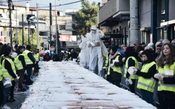 Πρωτοχρονιά 2020: Στο Περιστέρι δημιουργήθηκε γιγαντιαία βασιλόπιτα 5 τόνων