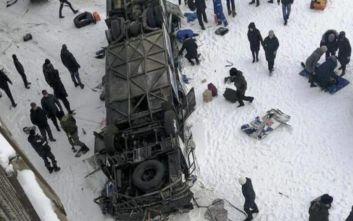 Ρωσία: Δεκαεννέα άνθρωποι σκοτώθηκαν από την πτώση λεωφορείου σε ποταμό