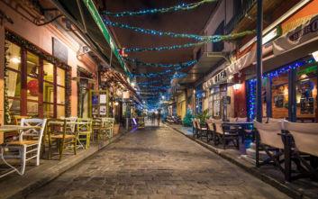 Παραμυθένια «χωριά των Χριστουγέννων» στη Βόρεια Ελλάδα