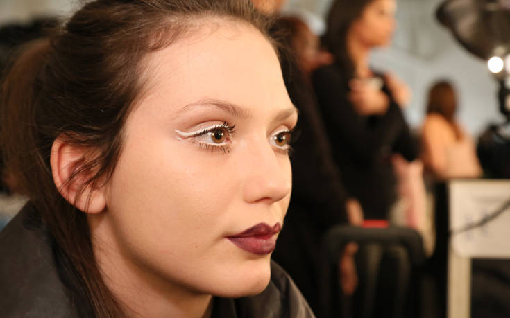 Αυτή η πινελιά στο μακιγιάζ είναι η τελευταία λέξη της μόδας