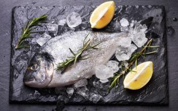 Πώς να κάνεις το κατεψυγμένο ψάρι να μοιάζει… φρέσκο