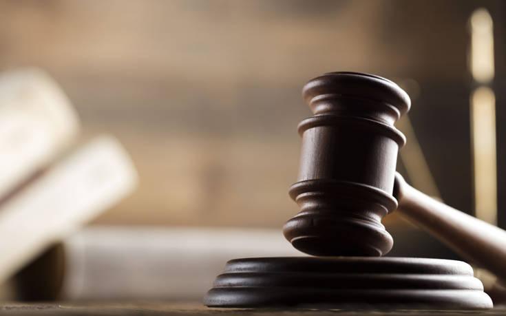 Ξεκίνησε η δίκη για τη στυγερή δολοφονία στη Βοιωτία: Σκότωσε τη νύφη του με 45 μαχαιριές