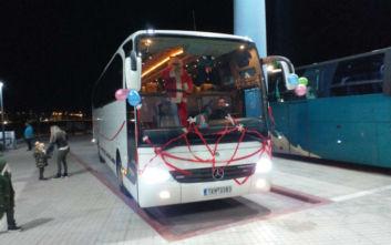 Ο Άγιος Βασίλης έφτασε με το... ΚΤΕΛ στα Τρίκαλα