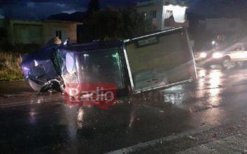Κρήτη: Αγροτικό καρφώθηκε σε βενζινάδικο - Τέσσερις τραυματίες