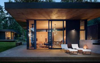 Το μοντέρνο σπίτι στις όχθες του ποταμού