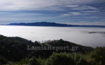 Λαμία: Εκπληκτικές φωτογραφίες με την πόλη «κρυμμένη» στα σύννεφα