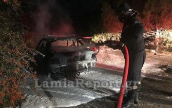 Λαμία: Ξέχασε τα κλειδιά του αυτοκινήτου στη μηχανή και το βρήκε καμένο