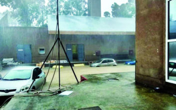 Κακοκαιρία Διδώ: Πλημμύρες και κατολισθήσεις στη Ρόδο, κινδύνευσαν οδηγοί