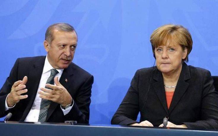 Ο Ερντογάν ζήτησε από τη Μέρκελ αναθεώρηση της συμφωνίας για το προσφυγικό