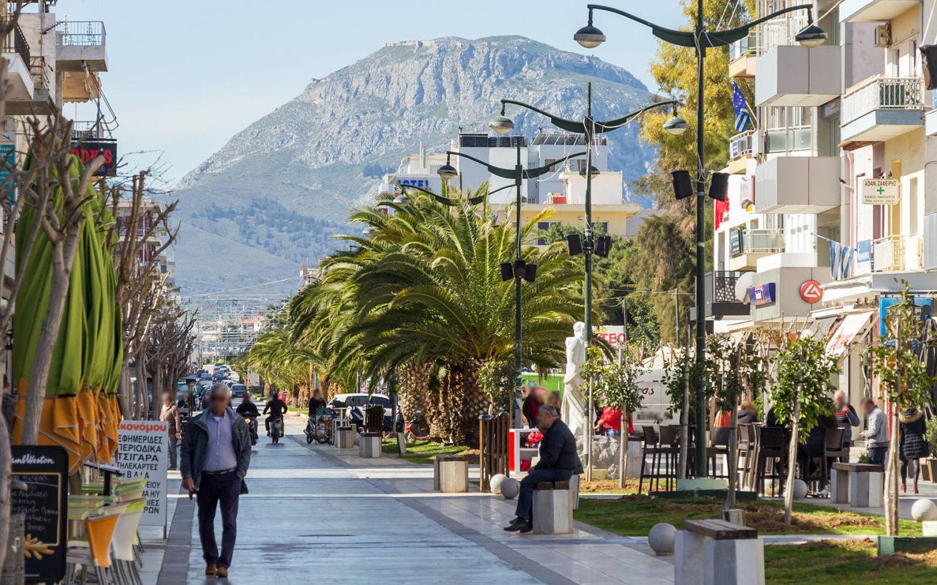 Οι διαφορές της ζωής σε μία πόλη της επαρχίας, μακριά από την Αθήνα