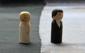 Πεθερός και πεθερά... κλέφτηκαν πριν το γάμο των παιδιών τους