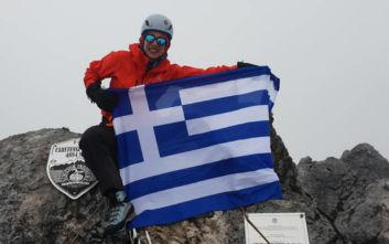 Χριστίνα Φλαμπούρη: Η 31χρονη που ύψωσε την ελληνική σημαία στην ψηλότερη κορυφή της Ανταρκτικής
