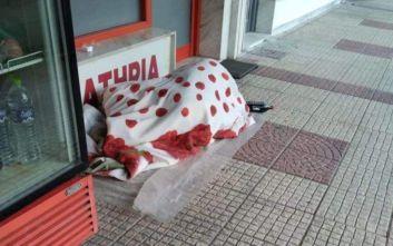 Ξάνθη: Κοιμόταν στον δρόμο από επιλογή
