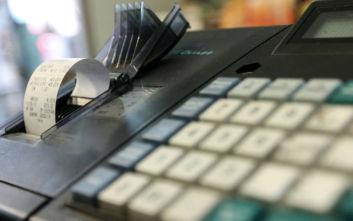 Αποσύρονται οι ταμειακές μηχανές που δεν συνδέονται online με την ΑΑΔΕ