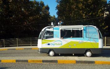 Πατούν γκάζι δυο «έξυπνα» λεωφορεία χωρίς οδηγό στα Τρίκαλα