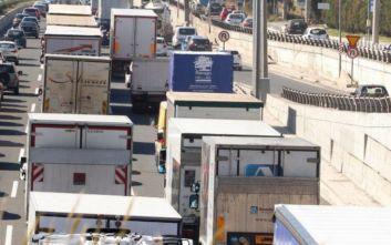 Κανονικά τα φορτηγά στις εθνικές το Πάσχα και την Πρωτομαγιά