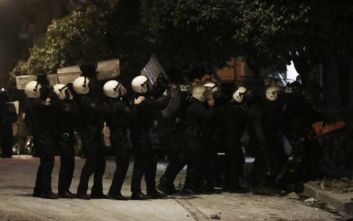 Κουκάκι: Πέντε συλλήψεις από την επιχείρηση της αστυνομίας στην Ματρόζου