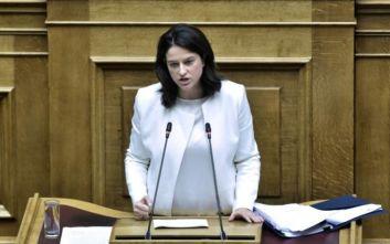 Η Κεραμέως κατηγόρησε τον ΣΥΡΙΖΑ για υποκρισία: Τέσσερα χρόνια εφάρμοσε όσα καταγγέλλει για τα κολέγια