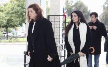 Διπλό χτύπημα για τη γυναίκα του Θάνου Μικρούτσικου, έχασε και τον πατέρα της