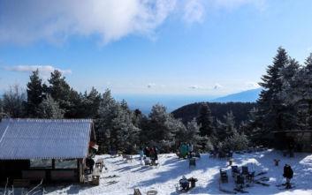Ένα παραδοσιακό χωριό με σύγχρονο χιονοδρομικό