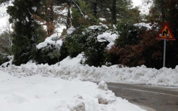 Κακοκαιρία Ηφαιστίων: Πυκνές χιονοπτώσεις στα ανατολικά - Άνεμοι μέχρι και 160 χλμ/ώρα στο Αιγαίο