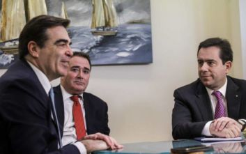 Με τον Μαργαρίτη Σχοινά η πρώτη συνάντηση του νέου υπουργού Μετανάστευσης