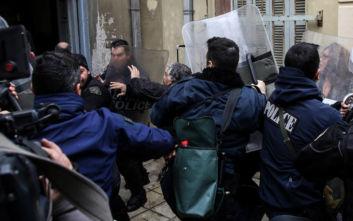 Οργή και ένταση στα δικαστήρια για τον δράστη του φονικού στην Κρήτη