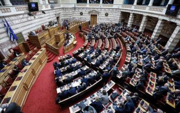 Βουλή: Για αστυνομική βία και αύξηση της εγκληματικότητας κατηγορεί την κυβέρνηση ο ΣΥΡΙΖΑ
