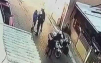 Ρατσιστικό κίνητρο ψάχνει ο εισαγγελέας πίσω από το χαστούκι αστυνομικού σε 11χρονο στο Μενίδι