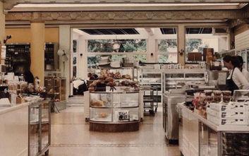 Βασίλης Βάρσος: Η άγνωστη ιστορία για το βράδυ που το ζαχαροπλαστείο μετατράπηκε σε... πολιτικό γραφείο