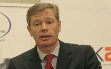 Ιράν: Ο Βρετανός πρεσβευτής διέψευσε ότι συμμετείχε σε αντικυβερνητική διαδήλωση