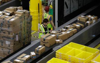 Πώς φιμώνει η Amazon τους υπαλλήλους της που μιλούν για την κλιματική αλλαγή