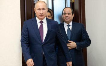 Κοινό μέτωπο Πούτιν - Σίσι: Επικροτούν τις προσπάθειες για την επίλυση της κρίσης στη Λιβύη