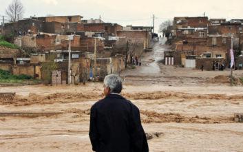 Φονικές πλημμύρες στο Ιράν: Τουλάχιστον τρεις νεκροί
