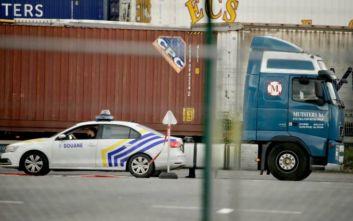 Βέλγιο: Εντοπίστηκαν 23 μετανάστες μέσα σε φορτηγό ψυγείο