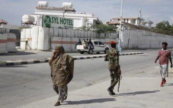 Τουλάχιστον 19 νεκροί έπειτα από επίθεση τζιχαντιστών σε χωριό στη Σομαλία