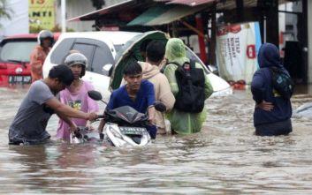 Ινδονησία: Τουλάχιστον 21 νεκροί στην Τζακάρτα από πλημμύρες και κατολισθήσεις