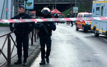 Ένοπλος κρατά ομήρους σε τράπεζα στη Γαλλία