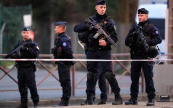 Επίθεση με μαχαίρι στη Γαλλία: Προσπάθησε να προστατεύσει τη γυναίκα του και πέθανε