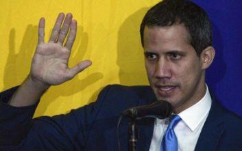 Ο Γκουαϊδό καταγγέλλει «κοινοβουλευτικό πραξικόπημα» στη Βενεζουέλα